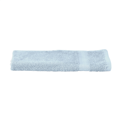 SOLAINE DELUXE GUEST TOWEL 450 G & M² in Light Blue.