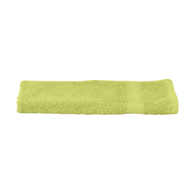SOLAINE DELUXE GUEST TOWEL 450 G & M² in Light Green.