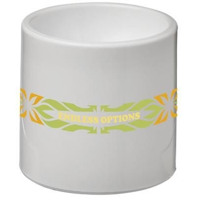 EDIE PLASTIC EGG CUP in White Solid.