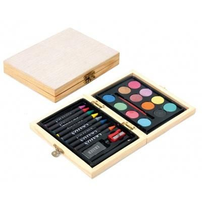 KIT WATERCOLOURS AND CRAYONS.