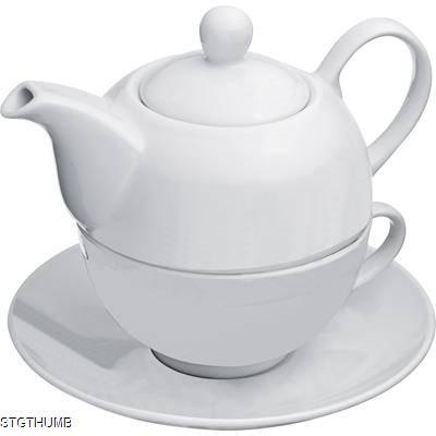 PORCELAIN TEA SET in White.