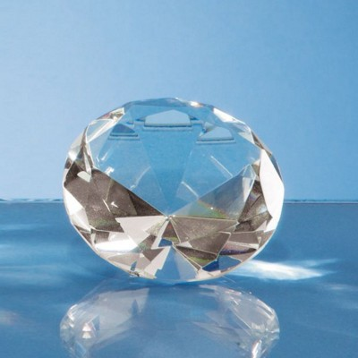 6CM OPTICAL GLASS DIAMOND PAPERWEIGHT.
