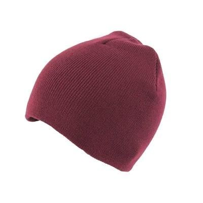 KNITTED SKI HAT WITHOUT TURN UP in Maroon.