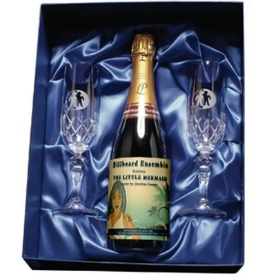 CHAMPAGNE AND FLUTE GIFT SET.