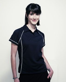 FINDEN & HALES LADIES PERFORMANCE PIPED POLO SHIRT.