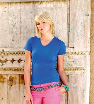 FRUIT OF THE LOOM LADIES FIT V NECK TEE SHIRT.