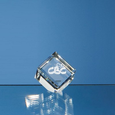 4CM OPTICAL BEVEL EDGE GLASS CUBE.