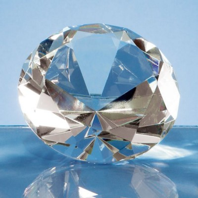 8CM OPTICAL GLASS DIAMOND PAPERWEIGHT.