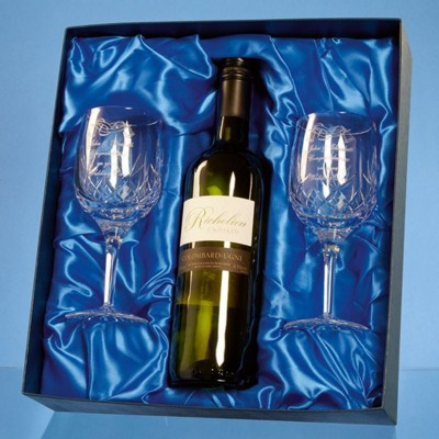 BLENHEIM DOUBLE GOBLET GIFT SET WITH a 75CL BOTTLE OF WHITE WINE.
