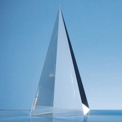 OPTICAL CRYSTAL GLASS FACET POINT AWARD.