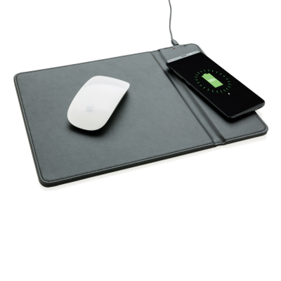 MOUSEMAT with 5W Cordless Charger in Black.