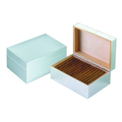Picture of METAL CIGAR OR CIGARETTE CASE in Silver