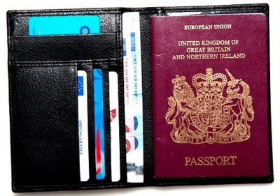 Picture of PASSPORT HOLDER WALLET in Chelsea Leather