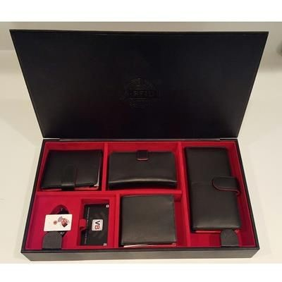 Picture of STYLISH LEATHER VALET PRESENTATION CASE