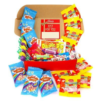 Picture of PERSONALISED RETRO SWEET HAMPER 970G