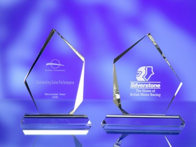Picture of OPTICAL GLASS IRREGULAR AWARD TROPHY