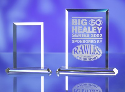 Picture of OPTICAL GLASS SQUARE SHAPE AWARD TROPHY