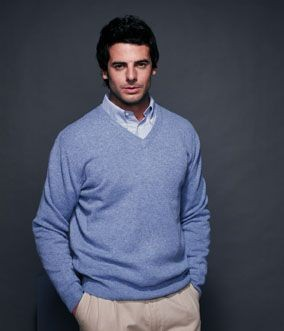 Picture of HENBURY LAMBSWOOL V NECK JUMPER