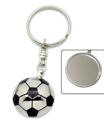 Picture of FOOTBALL THEME KEYRING