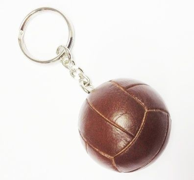 Picture of RETRO FOOTBALL KEYRING