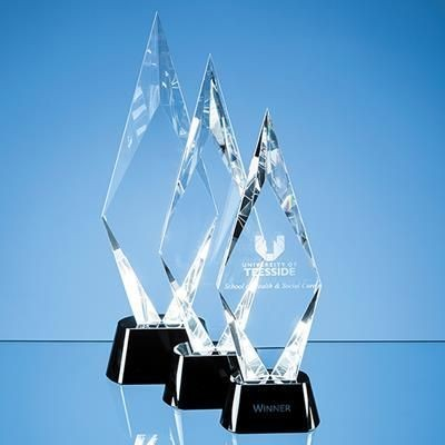 Picture of OPTICAL CRYSTAL FACET MOUNTED PEAK AWARD with Onyx Black Base