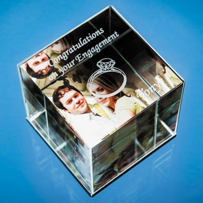 Picture of 6CM OPTICAL CRYSTAL CUBE PHOTO FRAME - HOLDS 3 PHOTOS