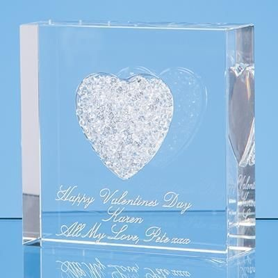 Picture of 7CM WHITE DIAMANTE HEART PAPERWEIGHT