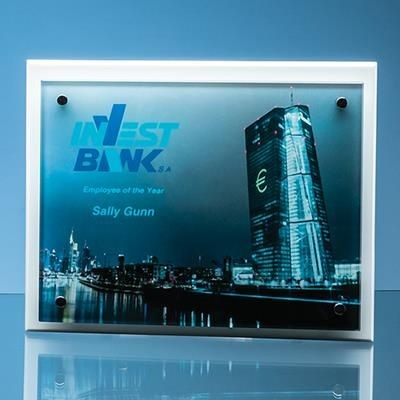 Picture of 17X22X5MM CLEAR TRANSPARENT GLASS RECTANGULAR MOUNTED ON 17MM THICK WHITE WOOD PLAQUE