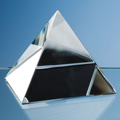 Picture of 9CM OPTICAL CRYSTAL GLASS 4 SIDED PYRAMID PAPERWEIGHT