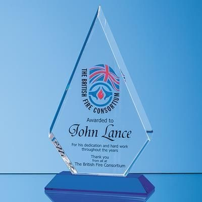 Picture of OPTICAL CRYSTAL FACET DIAMOND AWARD ON a SAPPHIRE BLUE BASE