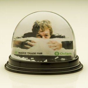 Picture of CLASSIC OVAL SNOW GLOBE SHAKER SNOW DOME SHAKER PAPERWEIGHT