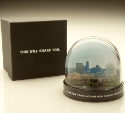 Picture of MODERN ROUND SNOW GLOBE SHAKER SNOW DOME SHAKER PAPERWEIGHT