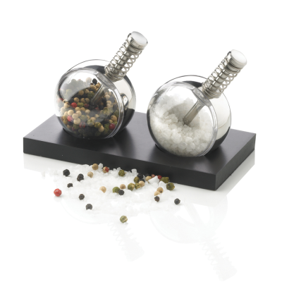 Picture of PLANET SALT AND PEPPER SET in Black