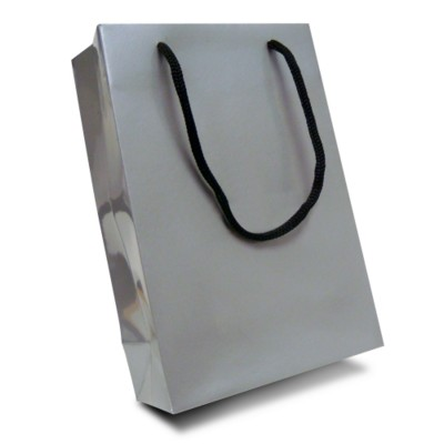 Picture of LUXURY PAPER CARRIER BAG - X-SMALL - GLOSS 195GSM ARTBOARD with Gloss Laminate, Short Pp Rope Handle