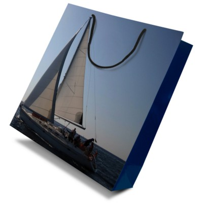 Picture of LUXURY PAPER CARRIER BAG - LARGE - GLOSS 195GSM ARTBOARD with Gloss Laminate, Short Pp Rope Handles